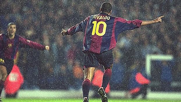 Há 15 anos, Rivaldo fazia golaço de bicicleta e classificava o Barça para a Champions; relembre