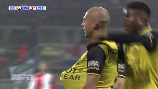 Feyenoord sai na frente, mas cede empate ao Roda e fica longe da ponta do Holandês