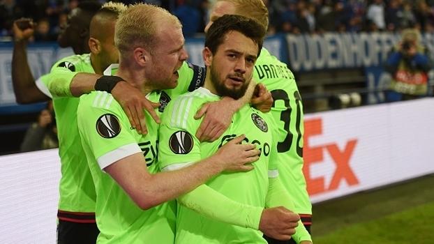 Ajax acorda no 2º tempo da prorrogação, faz 2 gols e elimina Schalke em jogo com final eletrizante