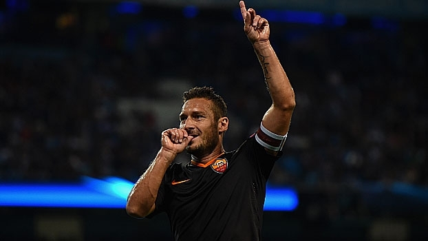 Em amistoso, Totti faz lançamento incrível e Roma vence Terek Grozny