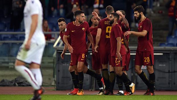 El Shaarawy decide com golaço, Roma vence e fica mais perto dos líderes no Italiano