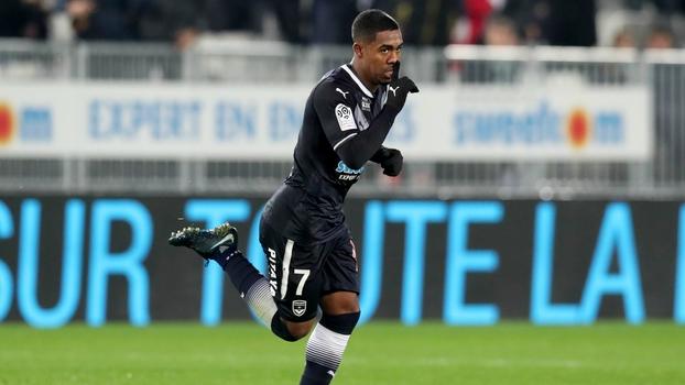 Com golaços de Malcom e Mendy, Bordeaux não dá chances ao St. Etienne; VEJA os gols