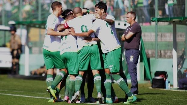 Brasileiro: Gols de Chapecoense 1 x 1 Atlético-PR