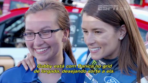 Garota com rara doença neurológica realiza sonho, conhece ídolo da NASCAR e vive dia mágico em Daytona