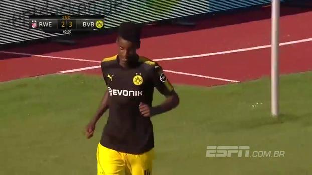 Promessa sueca de 17 anos do Borussia Dortmund brilha com quatro gols em amistoso