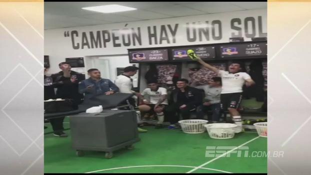 Veja a festa que os jogadores do Colo-Colo fizeram depois da goleada de 4 a 1 no clássico contra a Universidad de Chile