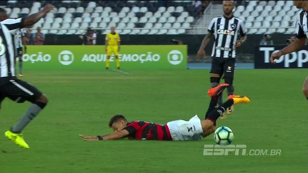 Pixotada de Martín Silva, queda de Neílton, gol perdido e mais; veja as bizarrices da rodada