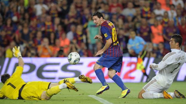 Com calcanhar de Piqué, Messi fez dois, e Barcelona bateu Real Madrid na Supercopa de 2011