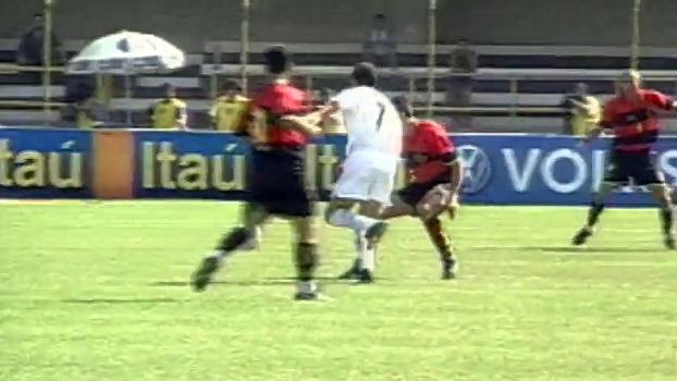 Com gols de Edmundo e Rincón, Santos venceu Sport no ano 2000; relembre