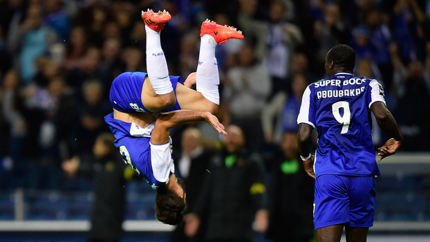 Assista aos gols da vitória do Porto sobre o Paços Ferreira por 5 a 1!