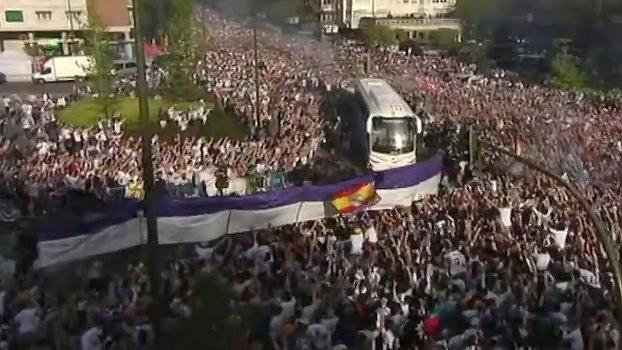 Multidão recebeu elenco do Real antes de duelo na Champions