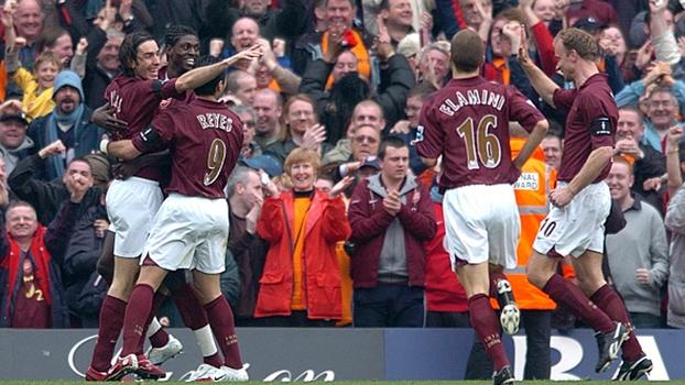 Categoria de Bergkamp, oportunismo de Pires e golaço de Hleb: em 2006, Arsenal venceu West Bromwich