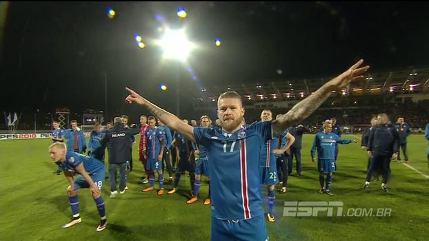 Seleção da Islândia comemora classificação à Copa com o seu fantástico grito de guerra: 'Hú!'