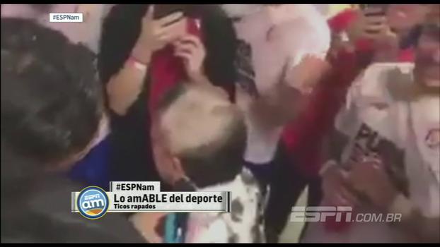 Promessa é dívida: classificada para a Copa, atletas e até treinador da Costa Rica raspam o cabelo