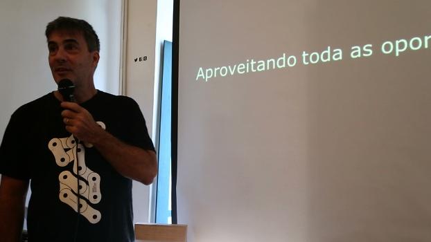 Zé Lobo palestra sobre como funciona a Transporte Ativo
