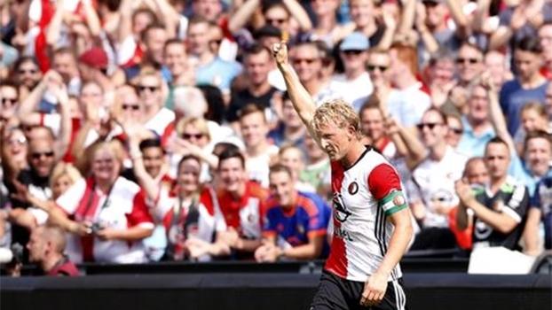 Feyenoord vence Ado Den Haag e recupera a liderança do Holandês