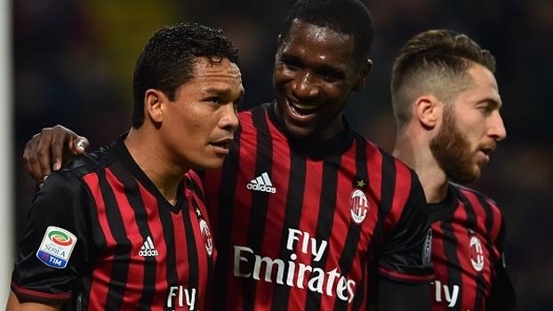 Com gols de Bacca, Milan supera Chievo, embala 3ª vitória seguida e deixa Inter para trás