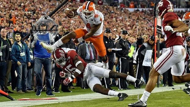 Com touchdown a 1s do fim, Clemson vence Alabama em revanche e é campeão universitário