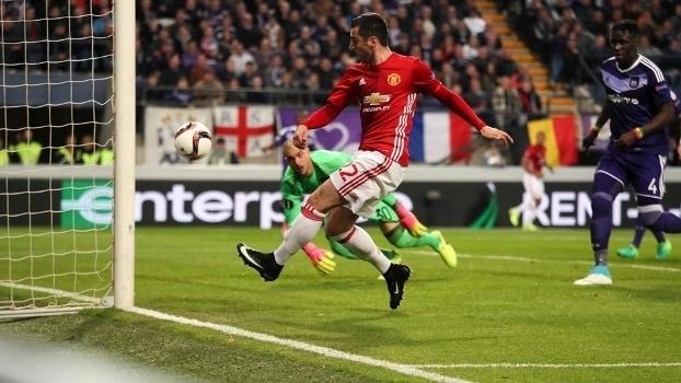 Assista aos melhores momentos do empate entre Anderlecht e Manchester United por 1 a 1