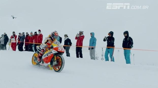 Atual campeão de MotoGP encara percurso de ski usando moto adaptada