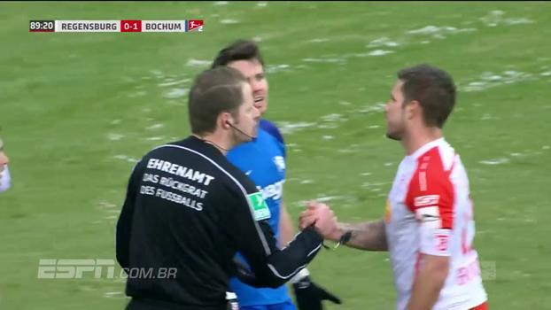 Fair play! Na 2ª divisão da Alemanha, juiz desmarca escanteio após jogador do time beneficiado avisar que foi tiro de meta