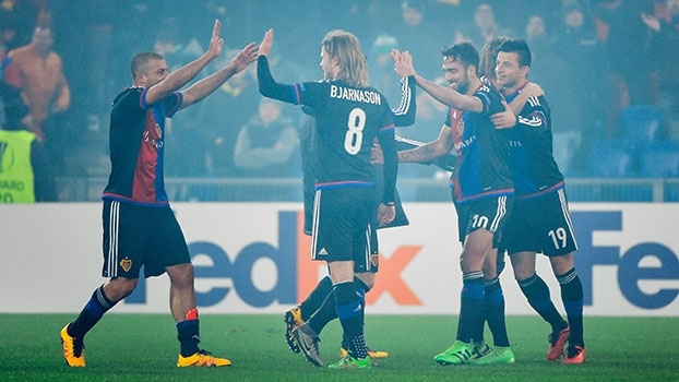 Em jogo dramático com gol da vaga no último minuto, Basel elimina Saint-Étienne