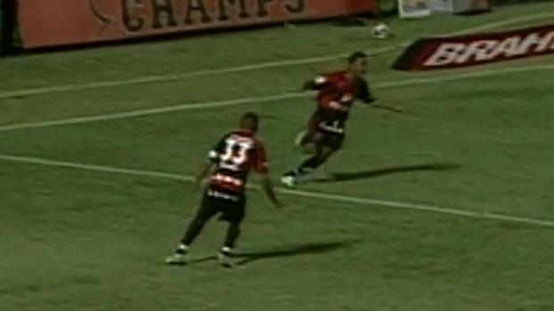 Em 2009, Vitória atropelou Santos por 6 a 2 com direito a gols de Victor Ramos e Leandro Domingues