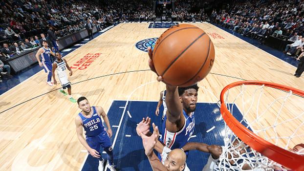 Embiid retorna com 28 pontos, e 76ers vencem Timberwolves na prorrogação pela NBA