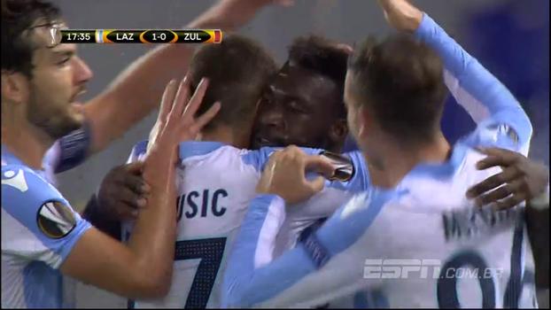 Em partida muito movimentada, Lazio bate em casa o Waregem, da Bélgica