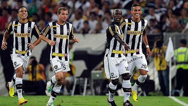 Em 2013, Seedorf e Rafael Marques brilharam, e o Botafogo venceu o Vasco