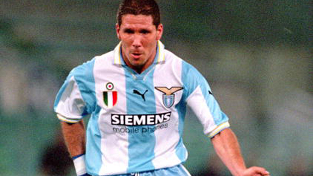 Com gols de Simeone e Salas, Lazio venceu Bologna fora de casa em 2000; relembre