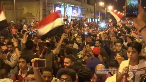 Egípcios vão às ruas para comemorar classificação do país à Copa do Mundo após 28 anos