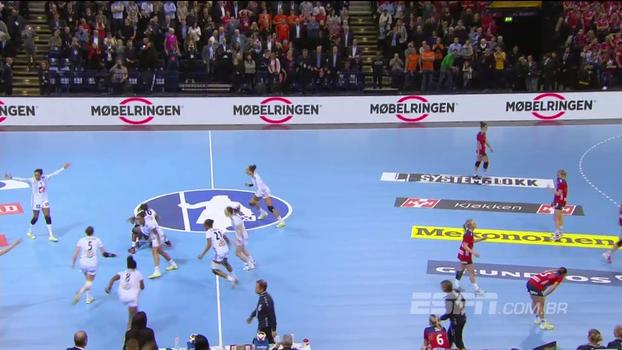 VEJA os lances decisivos da emocionante final do mundial de handebol, entre França e Noruega