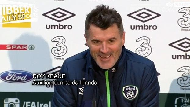 Em coletiva para meninas, Roy Keane se diverte e brinca: 'Fiquem longe dos meninos'