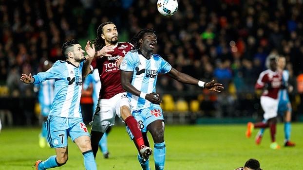 Metz surpreende Olympique de Marseille e respira no Francês