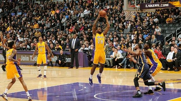 Lou Williams anota 27 pontos, Lakers vencem os Pacers e quebram sequência de 5 derrotas seguidas