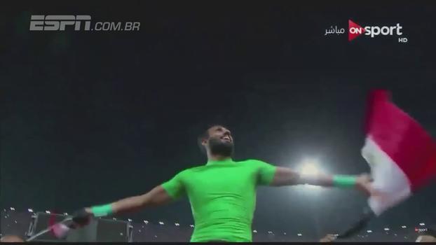 Jogadores e torcedores fazem bela festa no estádio após classificação do Egito à Copa do Mundo