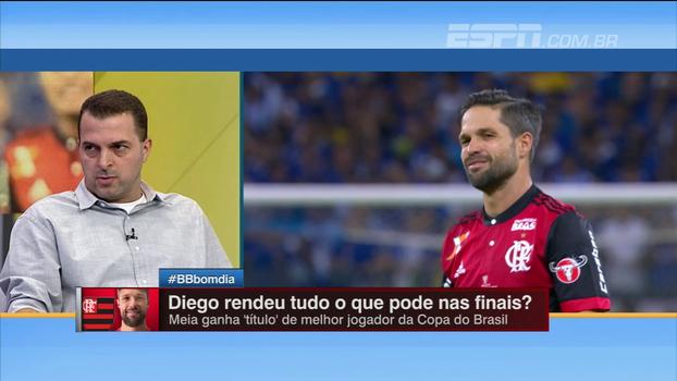 Zé Elias destaca posicionamento de Diego e 'erro' de Rueda ao não escalá-lo junto com Éverton Ribeiro