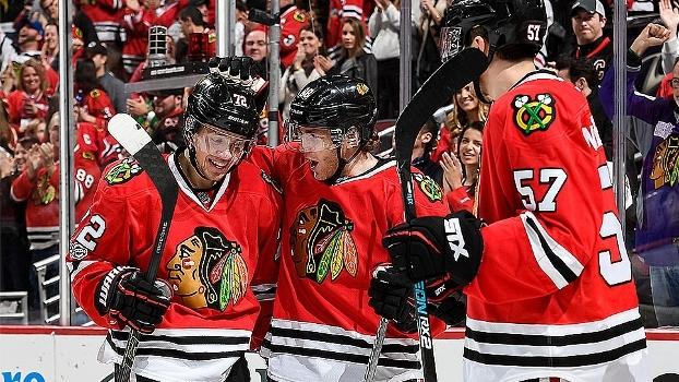 Chicago Blackhawks vence St. Louis Blues e embala 4ª vitória seguida na NHL