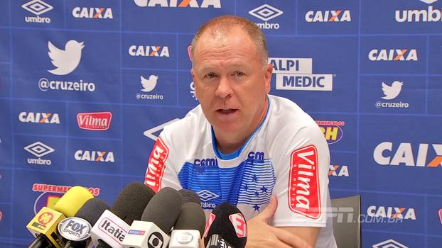 Na véspera da final, Mano Menezes destaca crescimento da equipe: 'A gente teve que tropeçar para recuperar a identidade'