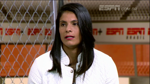 Sole Jaimes fala sobre futebol feminino na Argentina e elogia estrutura do Santos: 'Aqui você tem tudo'