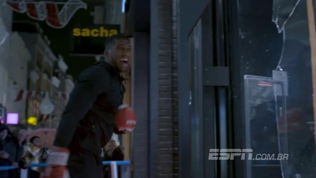 Empolgou! Boxeador britânico exagera em comercial e quebra janelas com 'socaços' no vidro