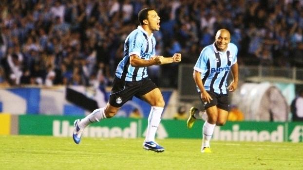 Relembre gols de Léo Gago, ex-Palmeiras, Vasco, Grêmio, Coritiba e mais