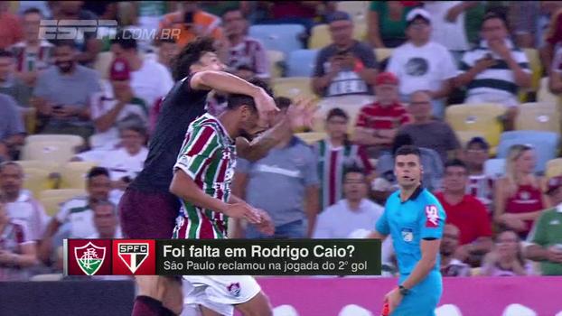 Rodrigo Caio sofreu falta de Gustavo Scarpa no segundo gol do Flu? Veja o debate do 'Linha de Passe'