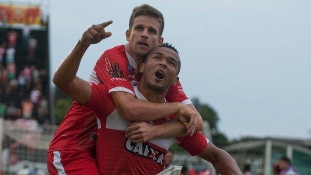 Assista aos gols da vitória do CRB sobre o Vasco por 2 a 1