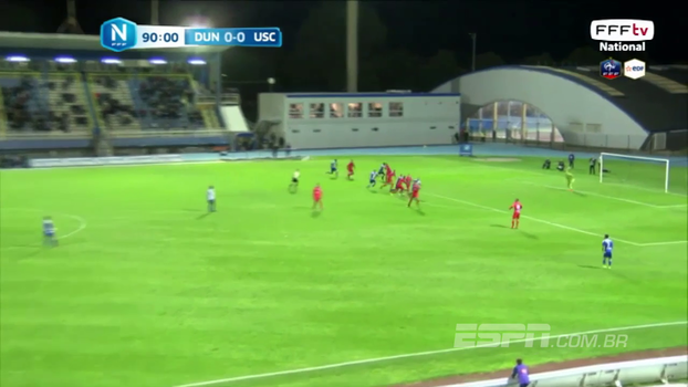 Que pintura! Atacante faz gol do meio de campo aos 45min do 2º tempo na 3ª divisão francesa