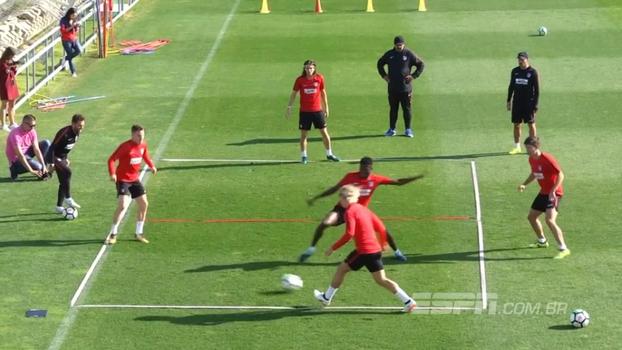 Veja a intensidade do treino em 'mini quadra de tênis' do Atlético de Madrid