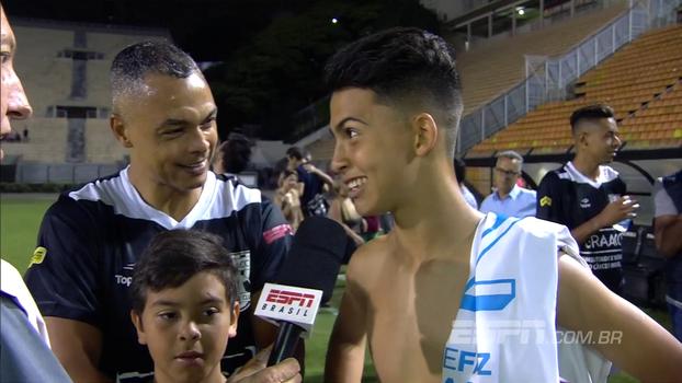 GRAACC Futebol Clube: após 'roubar' gol do pai, Dodôzinho brinca: 'Dois gols para entrar para a história do Pacaembu'
