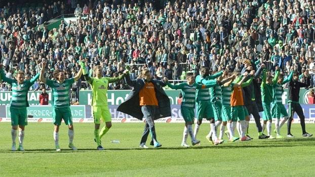 Werder Bremen vence Hertha Berlin em casa e ultrapassa Freiburg na luta por vaga na Europa League