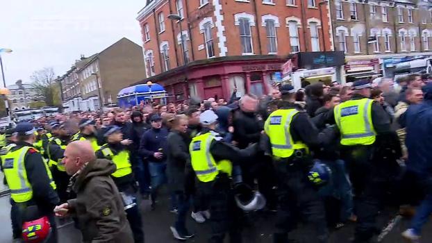 Tensão nos arredores do estádio e jogo muito quente: veja como foi a vitória do Arsenal sobre o Tottenham
